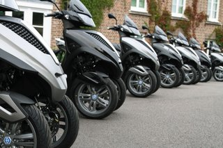 piaggio mp3 yourban lt hands on image 2