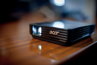 acer c110 pico projector hands on image 5