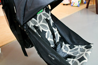 quicksmart back pack stroller debuts in uk image 6