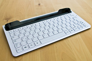 samsung galaxy tab 10 1 keyboard dock hands on image 2