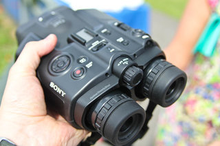 sony dev 5 video binoculars pictures and hands on image 5