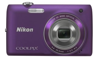 nikon s range headed up by the 3d shooting coolpix s100 image 2