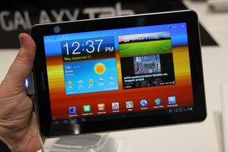 samsung galaxy tab 7 7 pictures and hands on image 2