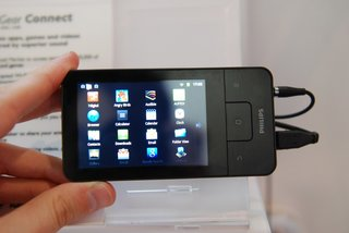 philips goes gingerbread with the gogear connect 3 we go hands on image 2