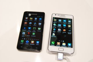 white samsung galaxy s ii pictures and hands on image 2