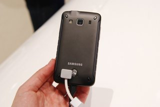 samsung galaxy xcover double hard handset pictures and hands on image 2