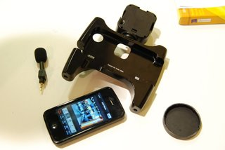 owle bubo the ultimate video cameraman case for the iphone 4 we go hands on image 14