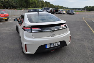 vauxhall ampera pictures and hands on image 28