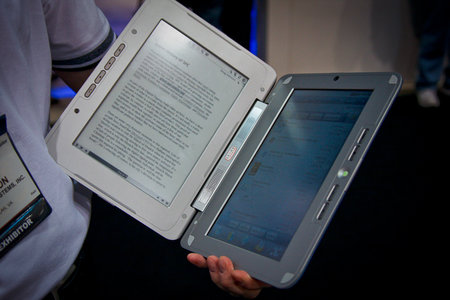 enTourage eDGe merges Android with ebook reader with tablet