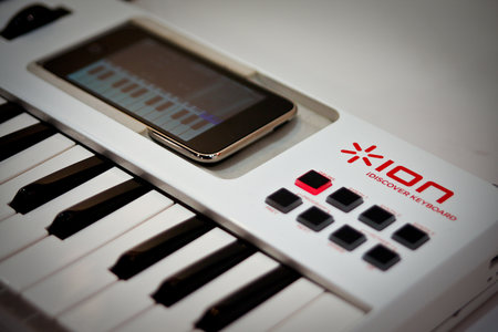 iPhone gets musical with Ion iDiscover piano bolt-on