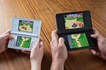 Nintendo DSi XL to launch on 5 March