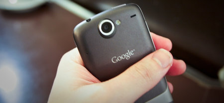 "Motorola working with Google on ""direct to consumer device"""