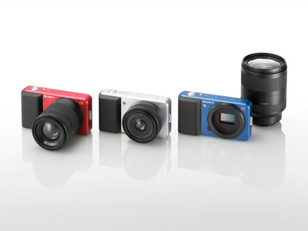 Sony shows off hybrid Alpha DSLR compact camera