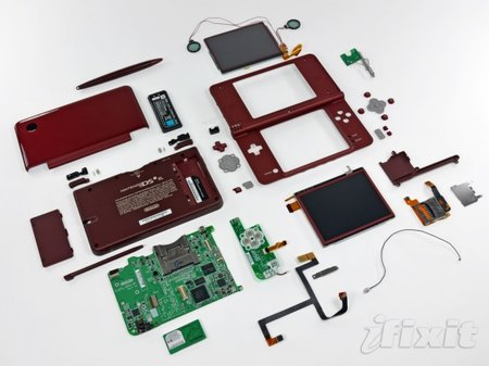Nintendo DSi XL gets ripped apart
