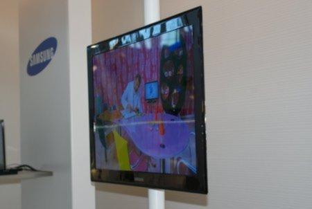 Samsung to launch OLED TV assault