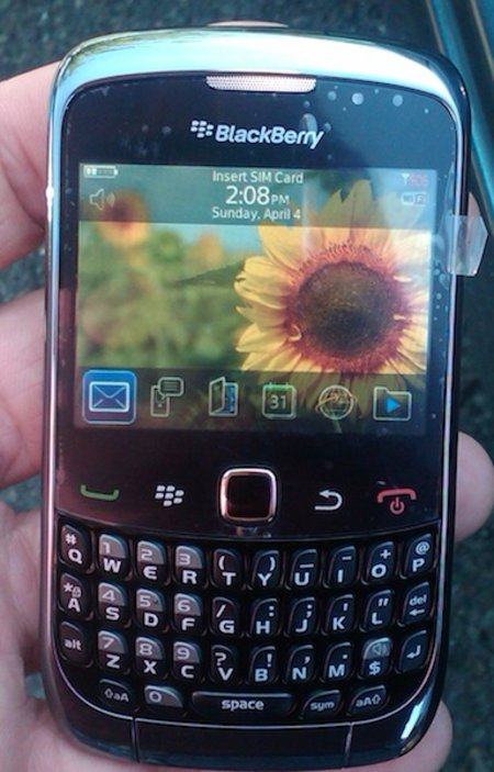 BlackBerry Curve 9300 surfaces