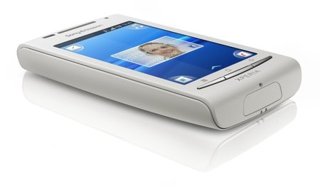 Sony Ericsson delivers the Xperia X8