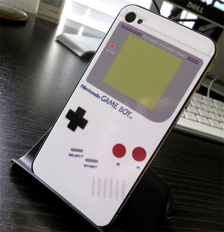 iPhone 4 gets iBoy Gameboy makeover