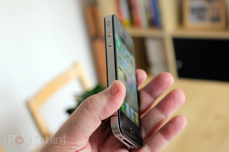 Apple warned about iPhone 4 antenna problem, failed to act