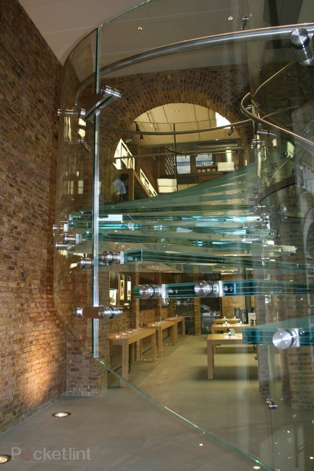 "Inside Apple's ""best ever"" store at Covent Garden - photo 5"