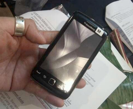 BlackBerry Storm 3 spotted and snapped