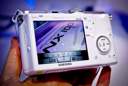 Samsung NX100 hands on - photo 1