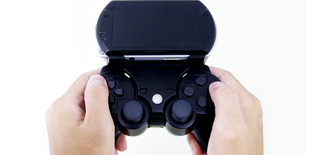 Gametech Bear accessory Dualshocks your PSP Go