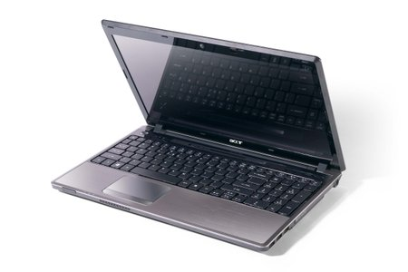 Acer Aspires for the third dimension with 5745DG
