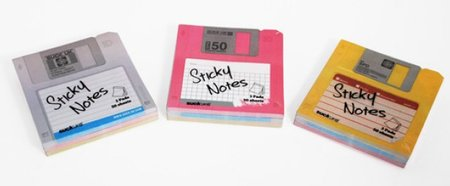 Retro-storage with the floppy disk post it note
