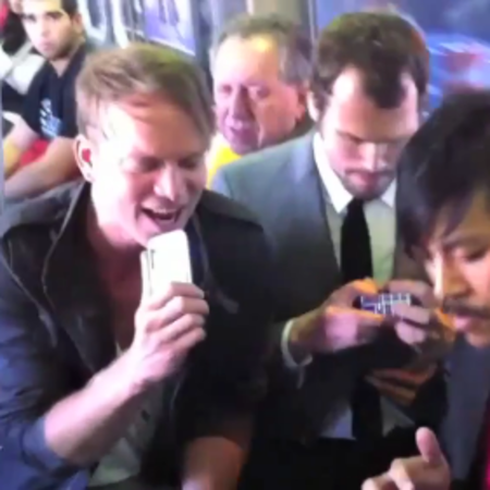 VIDEO: Incredible, impromptu iPhone gig on the train