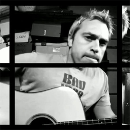 VIDEO: Nine iPhone 4s + one guitarist = HD music video