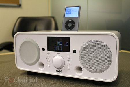 iTeufel Radio v2 iPhone/iPod dock hands-on