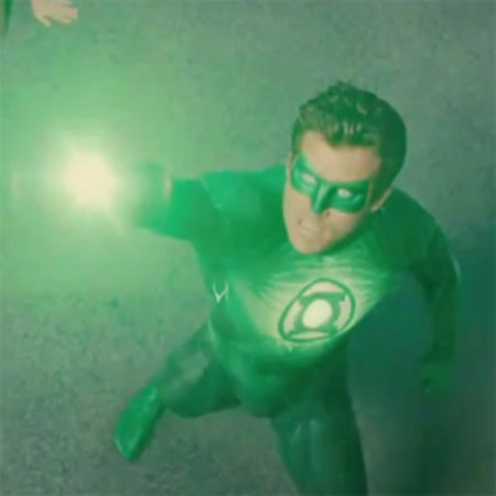 VIDEO: Green Lantern movie trailer - featuring the coolest gadget in comics?