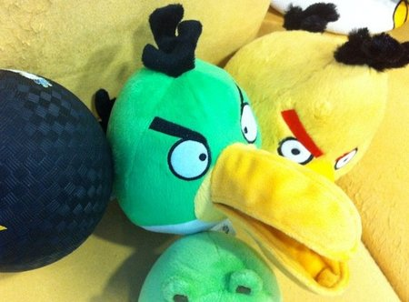 Angry Birds plush toys: Green bird flies in