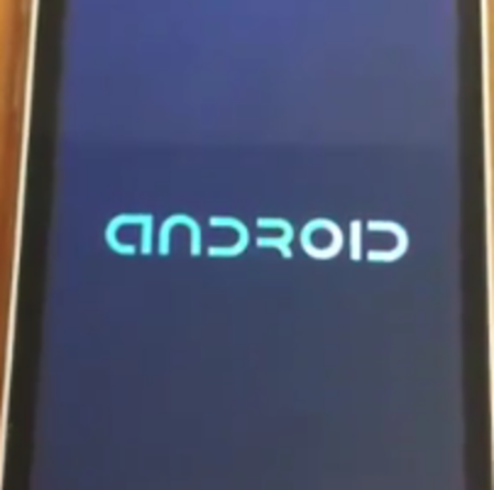 VIDEO: iGingerbread - The Android 2.3 touting iPhone