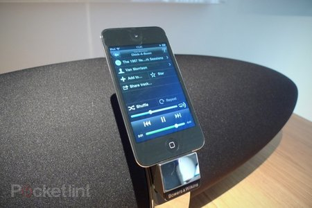 Bowers & Wilkins Zeppelin Air hands-on - photo 2