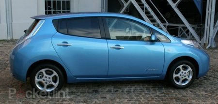 Nissan Leaf drives into Europe