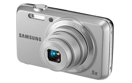 Samsung snaps two new compact cameras