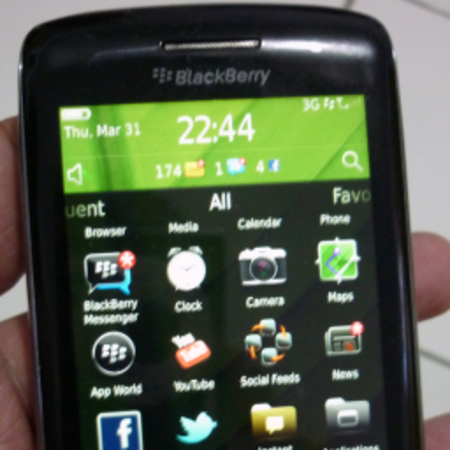 BlackBerry Touch Monaco / Monza leaked pictures Storm in