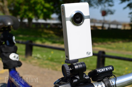 Flip Action Tripod hands-on