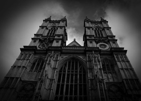 No tweets from Westminster Abbey as Palace installs phone blocking tech
