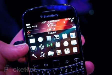 BlackBerry Bold 9900 coming to Vodafone (and Three)