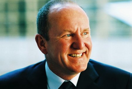 Ian Livingstone: Even hardcore gamers will be playing on Facebook of tomorrow