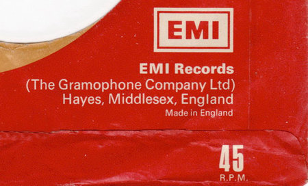 Apple signs up EMI for iCloud music service
