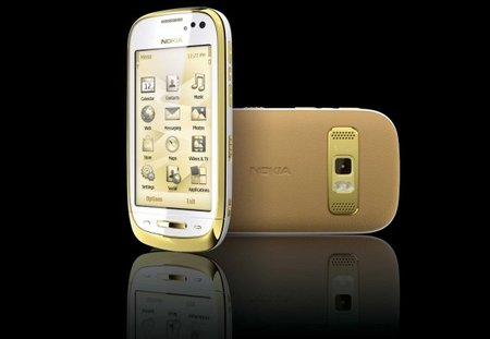 Nokia Oro: A C7 with added bling