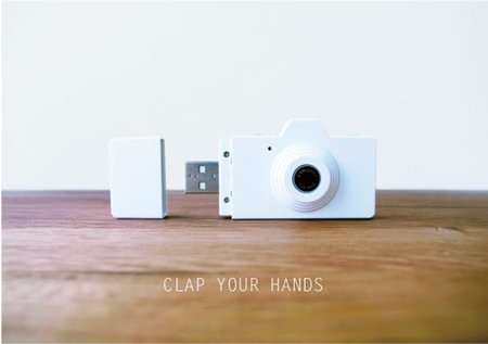Clap camera combines USB flash drive with mini point and shoot