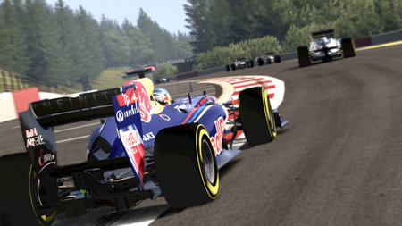 Codemasters unleashes new F1 2011 pics and details