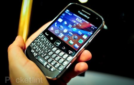BlackBerry Bold 9900 on sale now with Vodafone