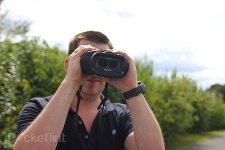 Sony DEV-5 video binoculars pictures and hands-on