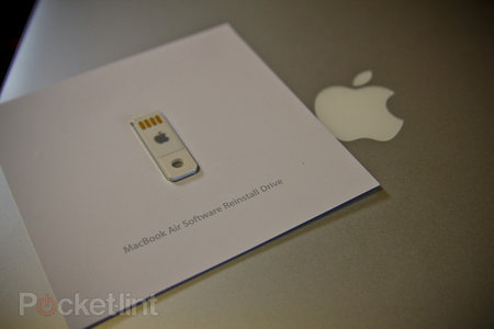 OS X Lion USB thumb drive hits the Apple Store